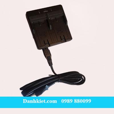 Sạc pin máy toàn đạc điện tử Topcon ES
